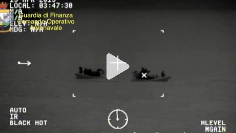 بالفيديو.. المشاهد الأولية لعمليات خفر السواحل الإيطالي إنقاذ مهاجرين غرقت سفينتهم في المتوسط