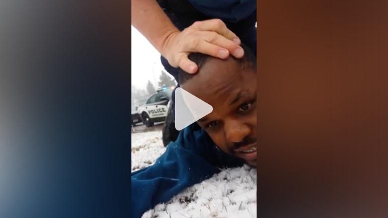 بالفيديو.. عملية إيقاف الشرطة لرجلين في كولورادو تتحول إلى عنف