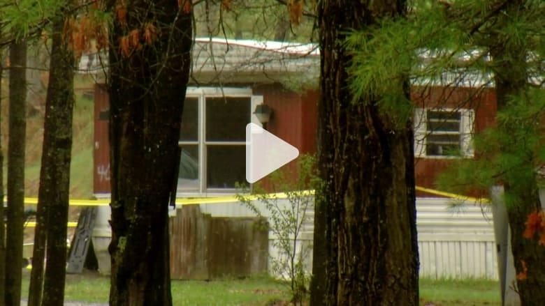 اكتشاف جريمة هزت أمريكا: رجل يقتل امرأة وطفلين.. وينتحر