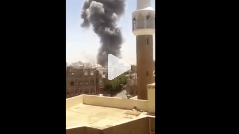 شاهد بالفيديو.. طائرات التحالف المناهض للحوثيين تقصف منزل صالح في صنعاء