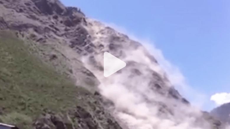 بالفيديو.. لحظة انهيارات أرضية هائلة بسبب الزلزال في نيبال