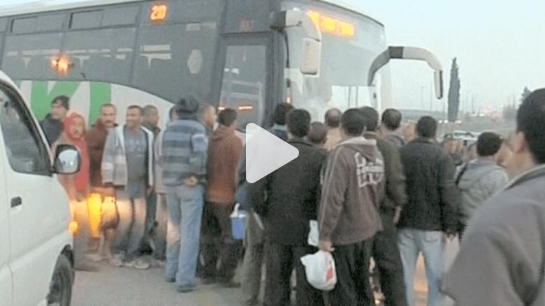 انتقادات لسياسة تفصل الفلسطينيين عن الإسرائيليين في الحافلات.. والحكومة تجمدها
