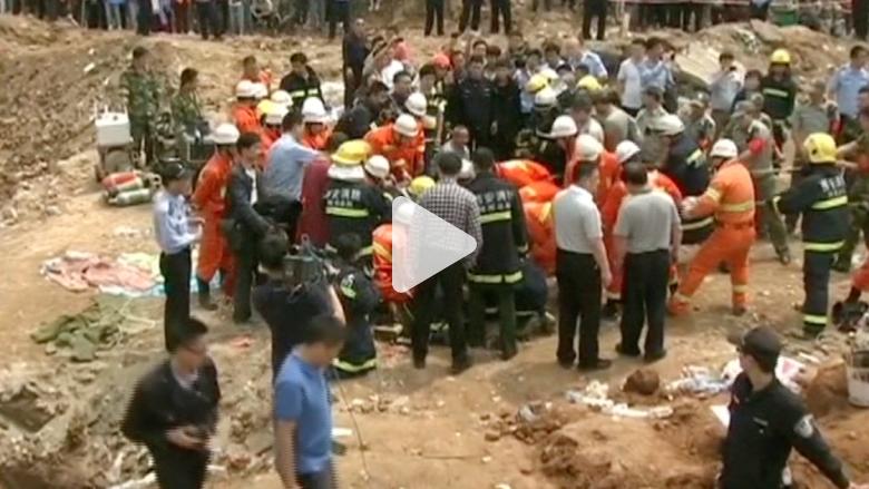بالفيديو: إنقاذ طفل بعمر سنتين بعد سقوطه في بئر بعمق 60 مترا