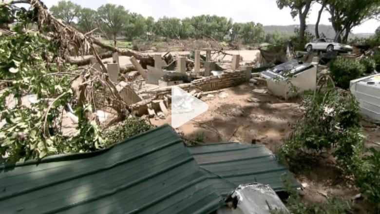 بالفيديو.. كاميرا CNN ترصد الدمار الذي حل بتكساس بسبب الفيضانات