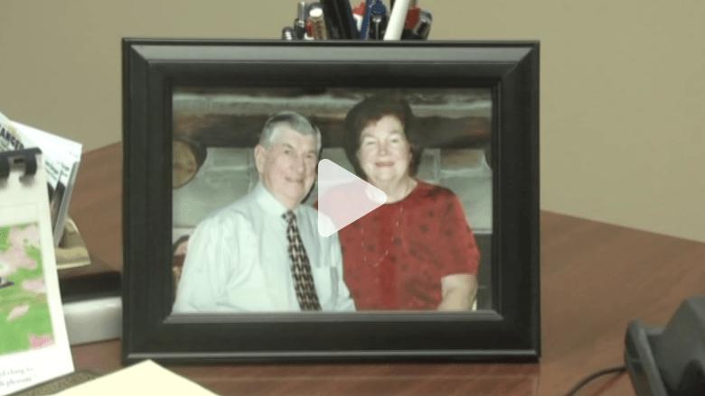 زوجان أمريكيان يحتفلان بميلاد حفيدهم الـ100