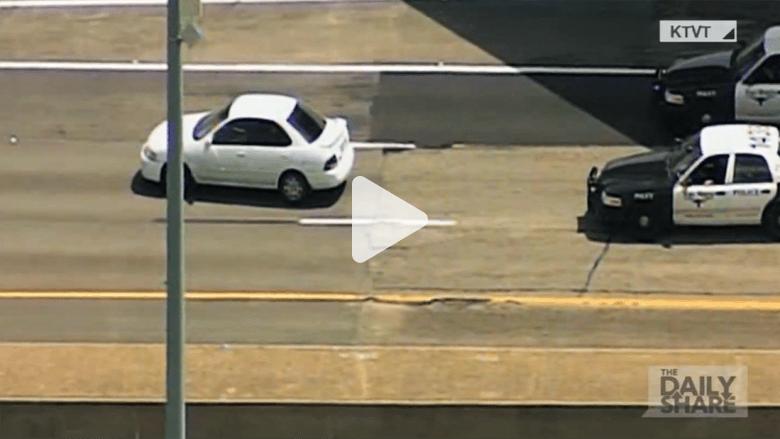 شاهد.. هل هذه أبطأ مطاردة لسيارة شرطة؟