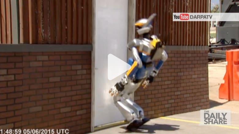 لقطات طريفة لسقوط الروبوتات.. في تحدي للفوز بمليوني دولار