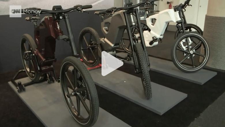 شاهد: دراجات إلكترونية ذكية لأغنى الأغنياء في العالم