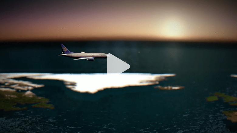 بالفيديو.. رصاص في حقيبة قائد طائرة أمريكية يثير الذعر بين الركاب