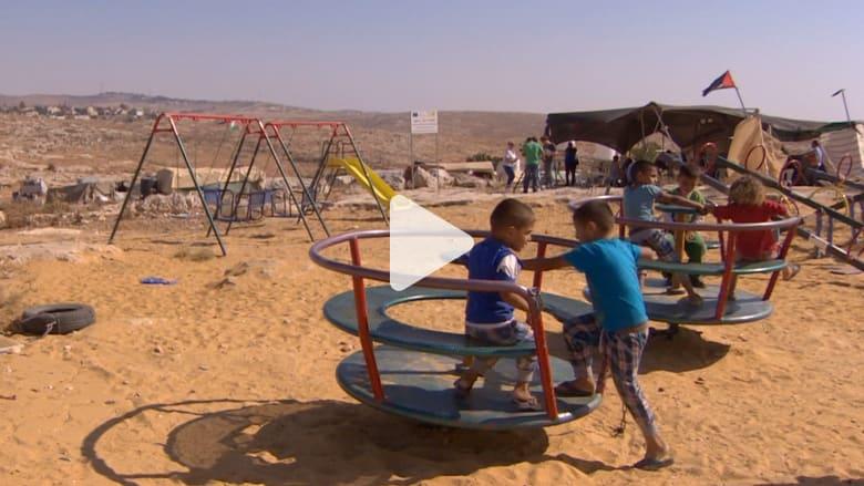 """شاهد.. الجيش الإسرائيلي يهدد بتدمير قرية فلسطينية من """"الخيم"""""""