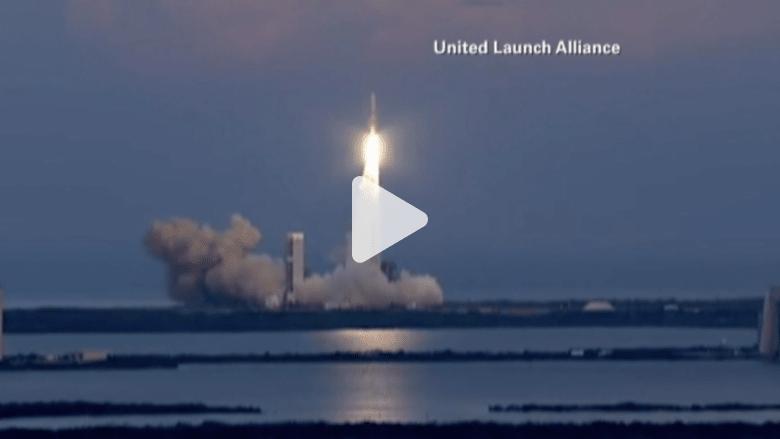 بالفيديو..أمريكا تطلق قمرا صناعيا عسكريا جديدا إلى الفضاء