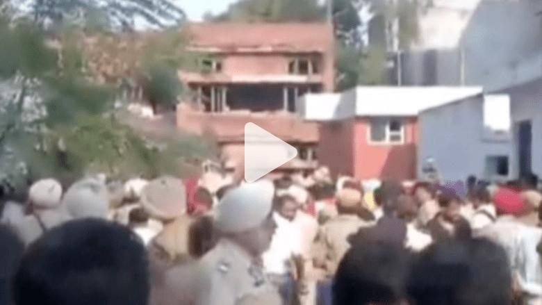 بالفيديو.. هجوم على مركز للشرطة بالهند يخلف 6 قتلى