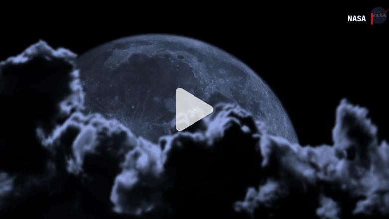 """شاهد.. ما هو """"القمر الأزرق""""؟ وهل لونه بالفعل أزرق؟"""