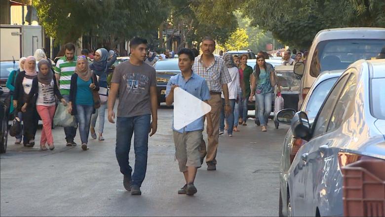 سوريون يتحدثون لـCNN من قلب دمشق: تشاؤم رغم الغارات على داعش