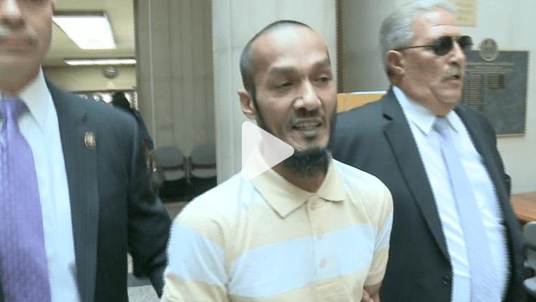 بالفيديو.. لحظة القبض على قاتل بعد مرور 16 عاماً على جريمته