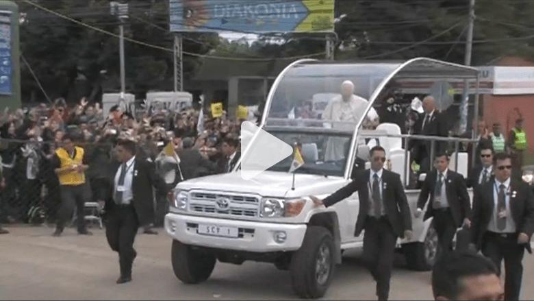 """""""البابا موبيلي"""" تتحول إلى جيب رانغلر في الولايات المتحدة"""