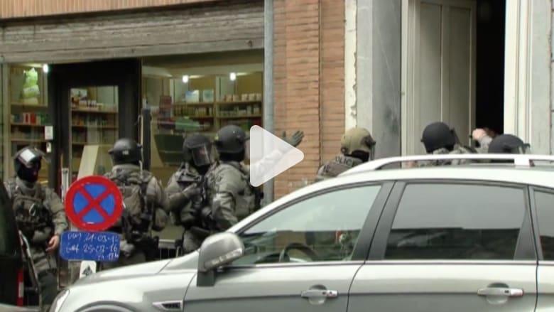 شاهد.. لحظة مداهمة قوات الأمن البلجيكية مخبأ صلاح عبدالسلام المشتبه به في هجمات باريس