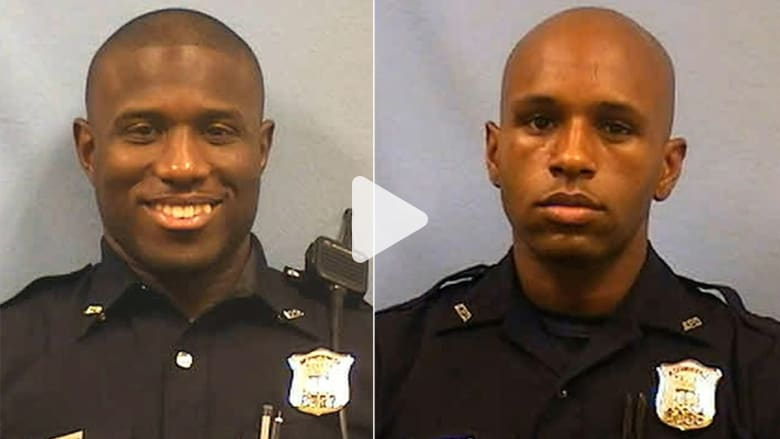 بالفيديو: ضابطان يتبادلان الضرب بعد جدال حول من منهما أسرع في الركض