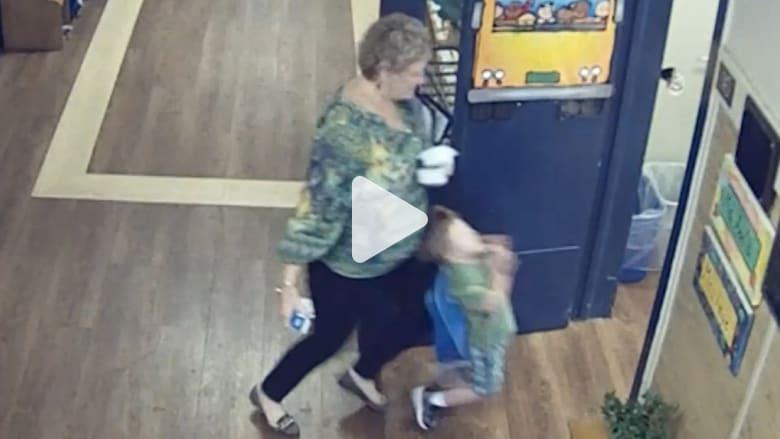 """بالفيديو: اعتقال مُعلمة بعد دفعها طفل من ذوي الاحتياجات الخاصة بـ""""قسوة"""""""