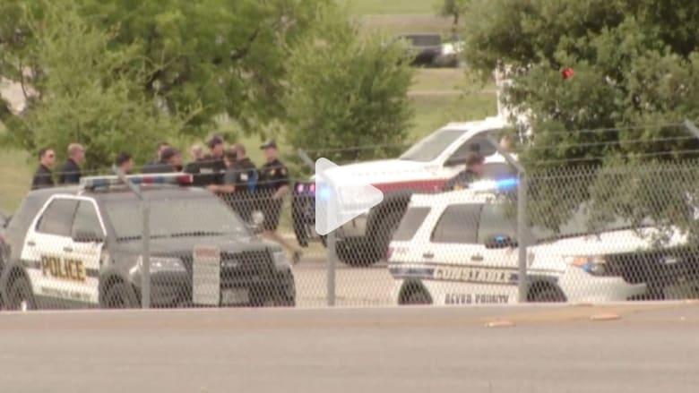 بالفيديو: مقتل شخصين في إطلاق نار داخل قاعدة جوية عسكرية بأمريكا