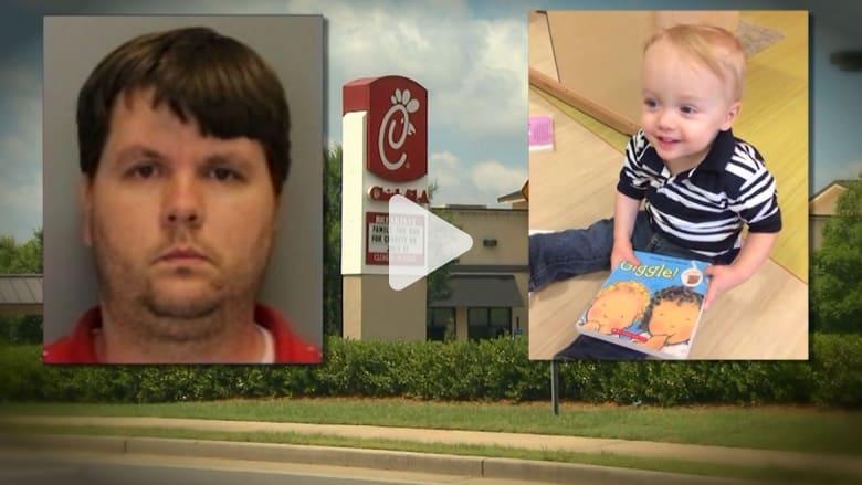 """محاكمة أب """"قتل"""" طفله ذو الـ22 شهراً بعد تركه في السيارة ليموت تحت حرارة الشمس"""