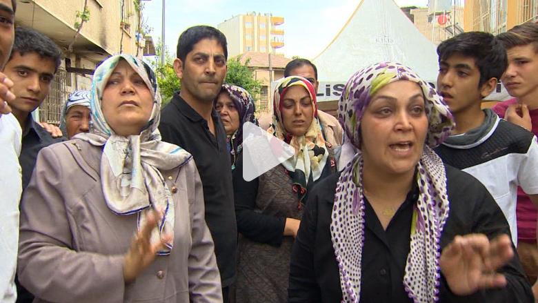 بالفيديو: الدمار يلحق باللاجئين السوريين إلى تركيا وحشود روسية قرب حلب