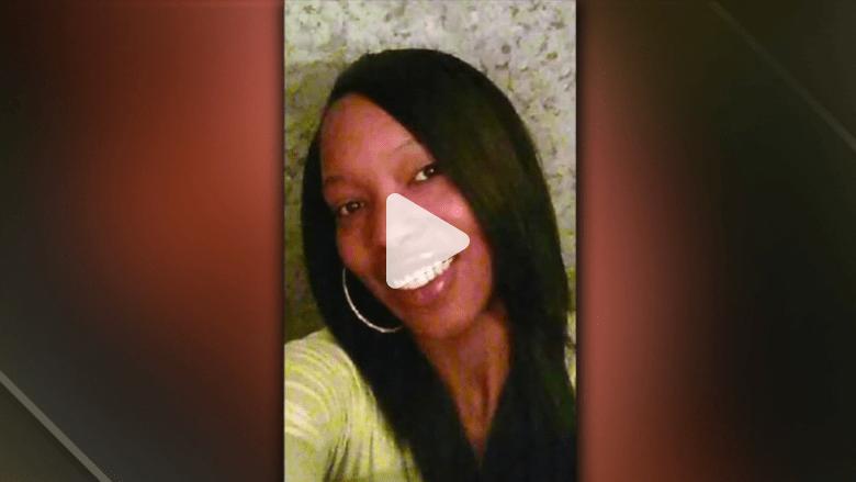 بالفيديو: طفل يقتل والدته خلال قيادتها للسيارة