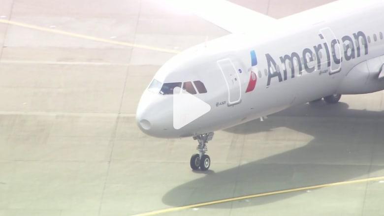 شاهد.. لحظات مخيفة واجهها ركاب طائرة أمريكية اصطدمت بسرب طيور