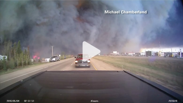 بالفيديو: مشاهد مرعبة لحرائق الغابات في كندا