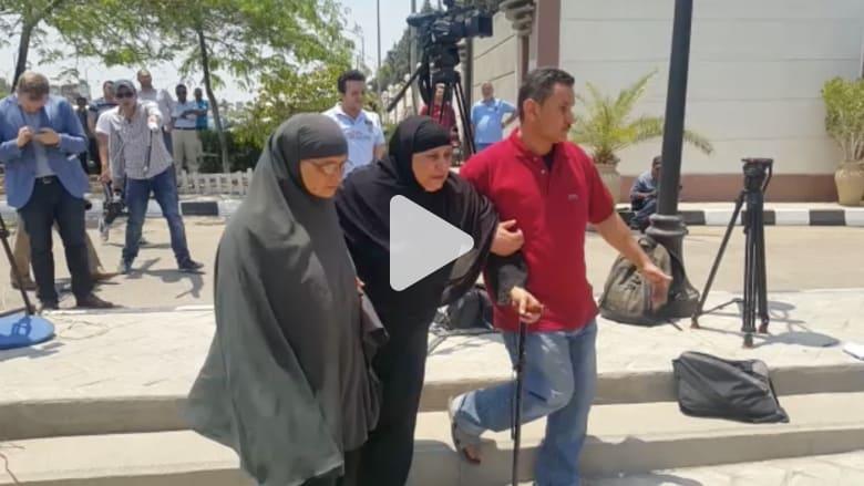 """بالفيديو: توافد أهالي ركاب الطائرة """"MS 804"""" على مطار القاهرة.. ومصر للطيران توفر """"أطباء ومترجمين"""""""