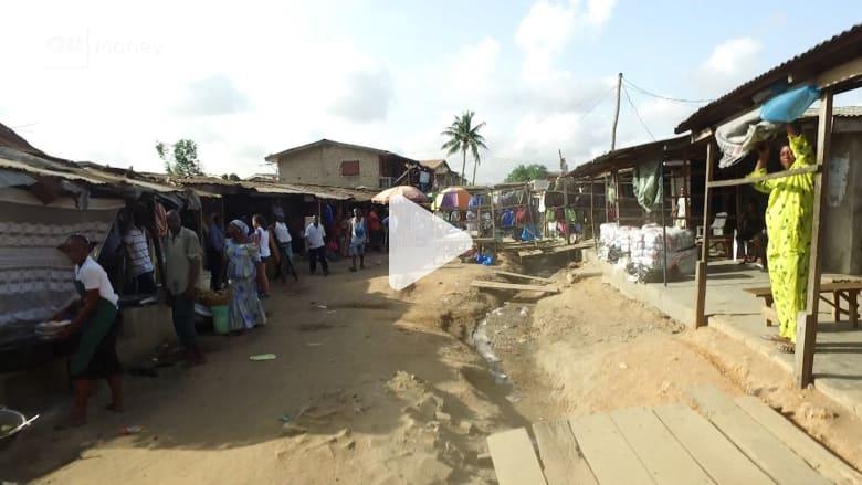 """أسواق نيجيريا.. حيث تصدح الأصوات """"السرية"""" بفوضى"""