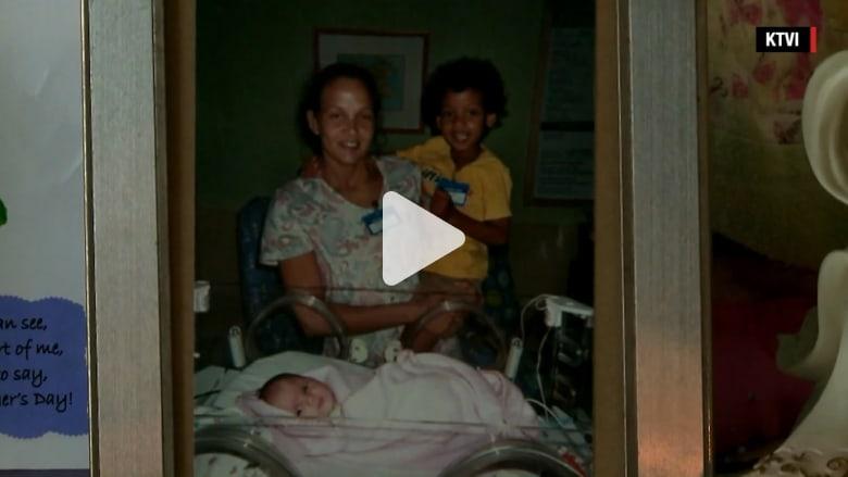 بالفيديو: أم تغرق طفليها قبل أن تضرم النار في منزل العائلة وهي بداخله