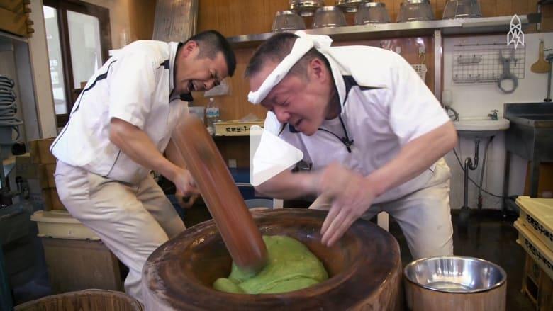ثلاث ضربات في الثانية.. لن تصدّق ما الذي يفعله هذا الطباخ الياباني