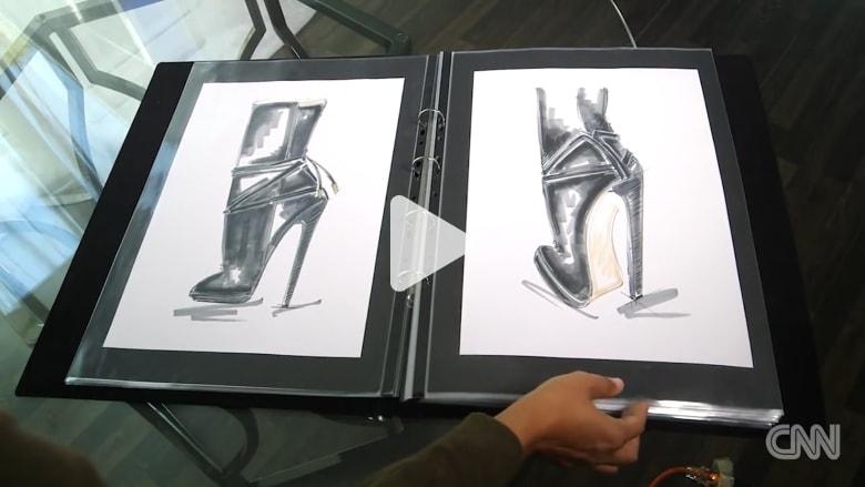 مهندس وجراح وعالم فضاء يجتمعون لتصميم حذاء
