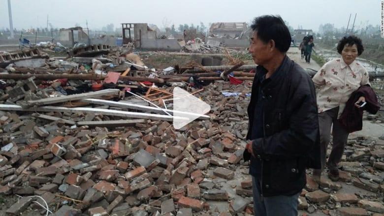شاهد.. أعاصير وانهيارات أرضية وفيضانات مدمرة تقتل العشرات في الصين