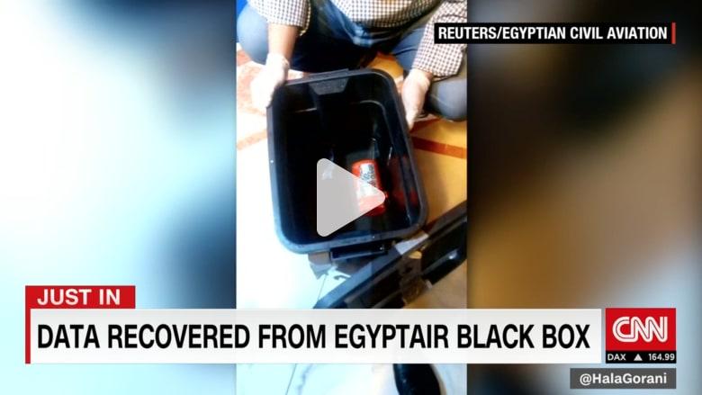 بالفيديو: مؤشرات على وجود دخان وتلف بحطام رحلة مصر للطيران بسبب حرارة عالية.. ما الذي أسقطها؟