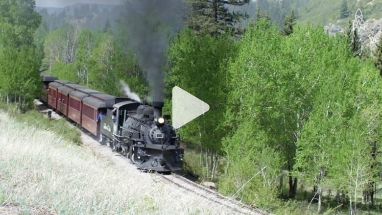 رحلة خلابة على متن آخر القطارات البخارية