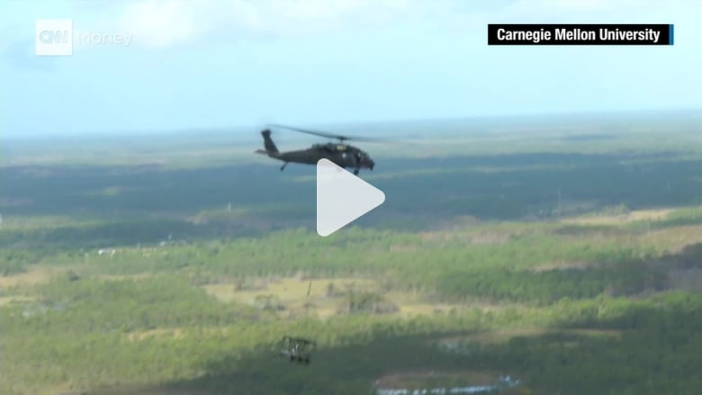 شاهد.. مركبات ومروحيات آلية يمكنها دخول المناطق الخطرة على الجنود