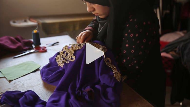 الأناقة والجمال الفلسطيني تبرزهما مصممة الأزياء نرمين الدمياطي في معرضها الصغير