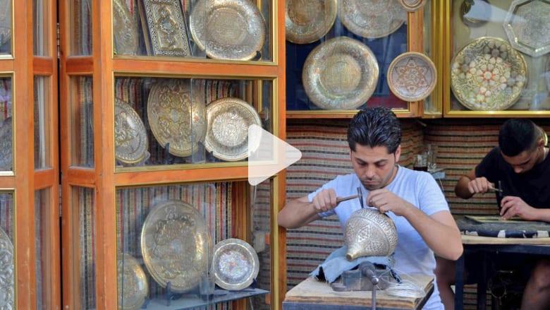 في دمشق.. ما زالت الفضّة تعرف طريقها بين نقوش النحاس
