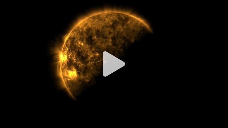 شاهد.. الأرض والقمر يحجبان معاً الشمس في لحظة