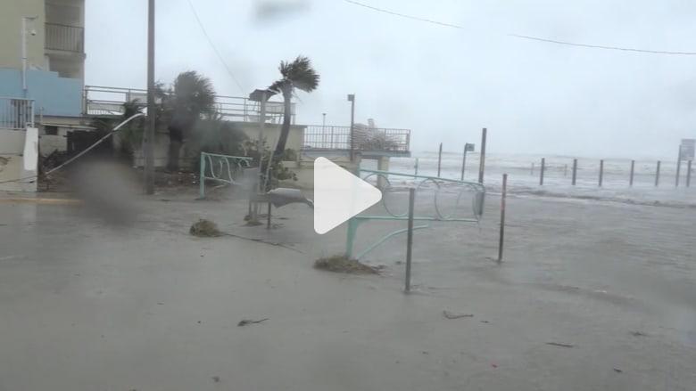 """الإعصار """"ماثيو"""" يسفر عن مئات القتلى في هايتي ويضرب فلوريدا"""