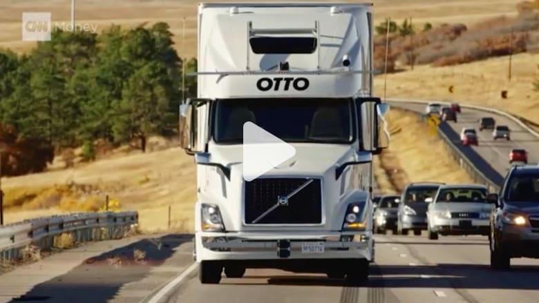 أول رحلة لشاحنة ذاتية القيادة تنقل 50 ألف علبة بيرة