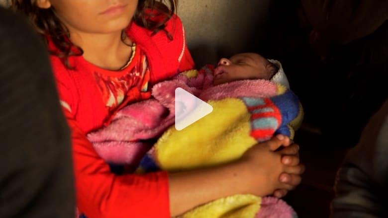 عراقية تلد بعد اغتصابها من مقاتل بداعش.. وتروي لـCNN قصتها
