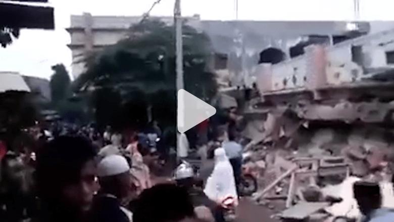 أودى بحياة 52 شخصاً.. شاهد آثار زلزال إندونيسيا