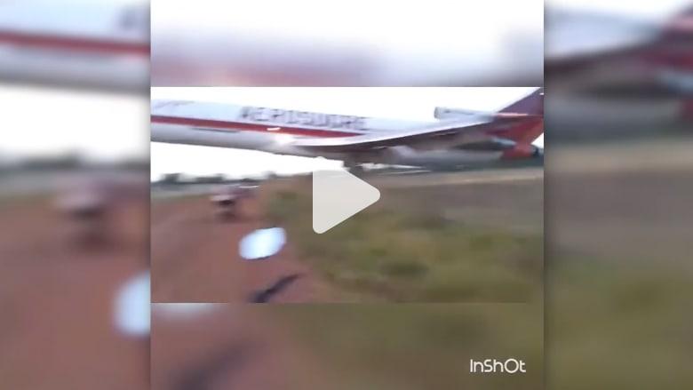 شاهد.. لحظة تحطم طائرة كولومبية بعد إقلاعها بوقت قصير