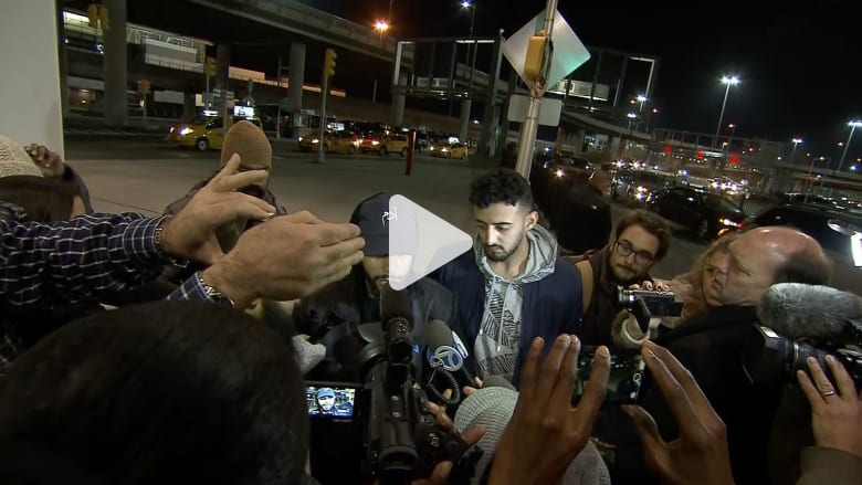 نجم يوتيوب مسلم لـCNN: طردوني من طائرة لتحدثي بالعربية