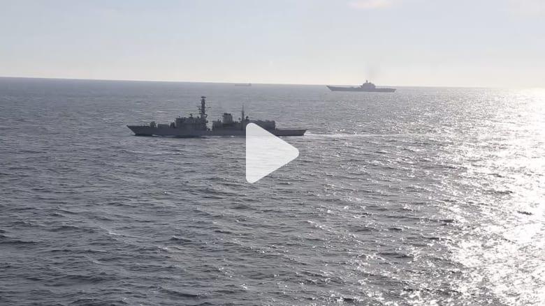 شاهد.. مقاتلات وسفن بريطانية ترافق حاملة طائرات روسية