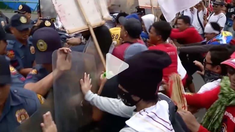 احتجاجات حاشدة ضد دوتيرتي في ذكرى الثورة على ماركوس