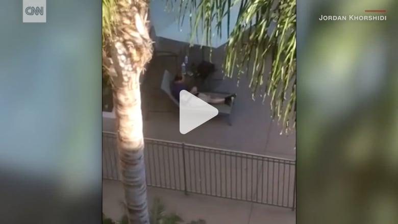 مسلح يفتح النار على حضور حفلة حول حوض سباحة